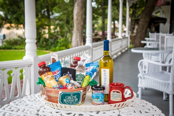 Gruene Mansion Inn Sampler Basket